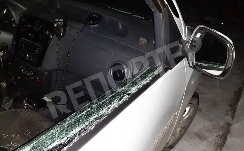 Пьяный запорожский хулиган разбил полицейское авто