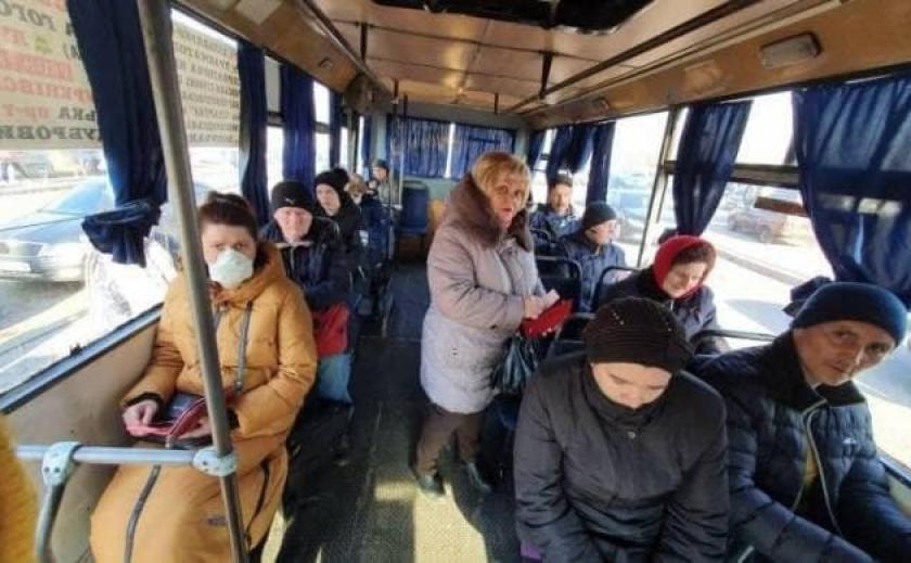 В Мелитополе маршрутки будут возить пассажиров только в часы пик и только с негативным тестом на COVID-19