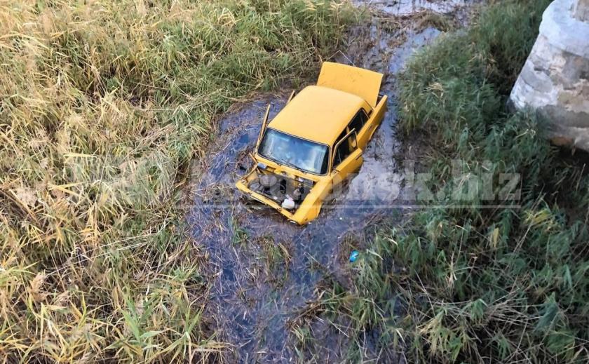 В Запорожской области под водой обнаружили автомобиль с трупом