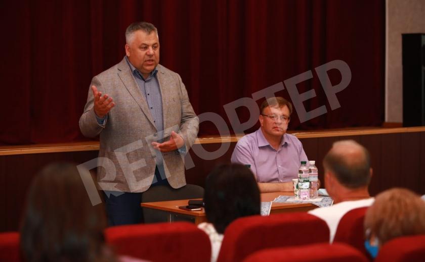 Запорожский губернатор предложил не воровать и пообещал взять за руку Зеленского