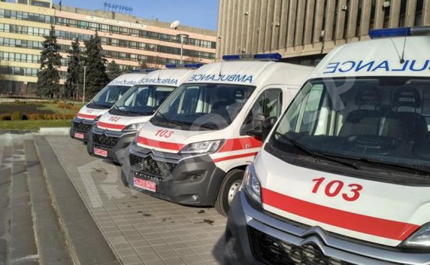 Дайджест 103. В Запорожье сбили девочку и пенсионера, мужчина выпал с 4 этажа, а селянин получил удары топором