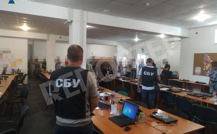 Запорожская банда из 60 человек бомбила в Украине и за рубежом