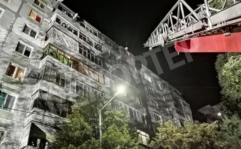 В Запорожье из огня многоэтажки спасли 18 человек